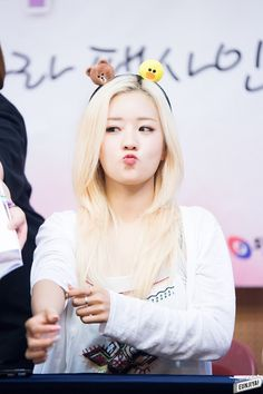 Find images and videos about bomi, yoon bomi and Abominations on We Heart It - the app to get lost in what you love. Kpop Girl Groups, Korean Girl Groups, Kpop Girls, K Pop Star, Girl Day, Magical Girl, Korean Singer, South Korean Girls, Pink Girl