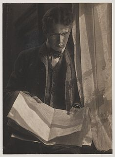 Citation: William Ivins, ca. 1900 / Gertrude Käsebier, photographer. William Mills Ivins papers, Archives of American Art, Smithsonian Institution.