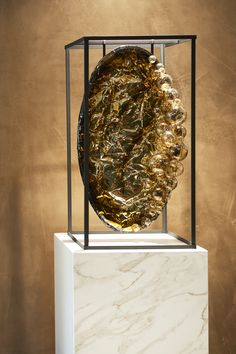 Solo exhibition Pleunie Buyink at Siematic Flagship Store Amsterdam photographer Roel van Koppenhagen Amsterdam, Art Pieces, Bubbles, Gems, Van, Ceiling Lights, Pearls, Store, Artworks