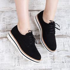 Pantofi de damă negri tip Oxford la 110,90 Lei, Hamiga MDLT