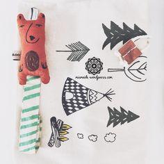 mini dressing, kniestrümpfe, socken, socks, overknees, fox, fuchs, orange, braun, tatzen, babyblog, mamablog, babyblogger, mamablogger, babyfashion, fashion, babykleidung, kleidung, baby, kind, süß, cute, seweden, minimalistisch, nordisch,skandinavisch, abstract, abstrakt, design, rasselfisch, miameide, hübsch, schön, baby girl, baby boy, mädchen, junge, neugeborenes, babyparty, geschenk, normadot, schnullerkette, schnullerband, schnuller