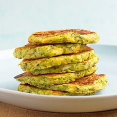 This is summer on a plate! Healthy, light and so delicious: Zucchini Fritters. (based on a recipe from Nigella Lawson)