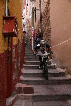 urban downhill - Mexico @J M