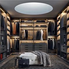 Closet #designdeinteriores #luxury #arquitetura #deco #decor #house #home #design #interior #interiorDesign #architecture #decoration #homedecoration #modern #furniture #decoração #inspirações #instagood #instadecor #beautiful #picoftheday #instacool #homestyle #homedesign #cozy #confortable #archilovers #decorations #homedecor #closet