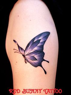 tattoo タトゥー ワンポイント デザイン 蝶 Mom Tattoos, Leaf Tattoos, Tattoo Ideas, Tattoo Designs, Peacock, Butterfly, Tatuajes, Peacocks, Tattooed Guys