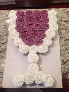 Wine glass cupcake cake Cupcakes Design, Cupcake Cake Designs, Cute Cupcakes, Cupcake Cakes, Cupcake Ideas, Pull Apart Cupcake Cake, Pull Apart Cake, Wine Tasting Party, Wine Parties