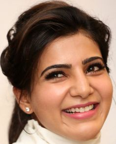 Tamil Actress Samantha Smiling Face Close Up Gallery South Indian Actress, Beautiful Indian Actress, Beautiful Actresses, Samantha Images, Samantha Ruth, Beauty Full Girl, Beauty Women, Best Beauty Tips, Beauty Hacks