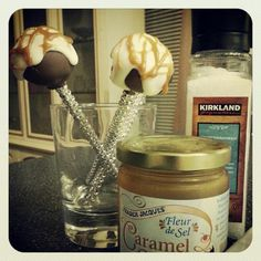 Salted Caramel Cake Pops - Love From The Oven Carmel Cake, Halloween Cake Pops, Halloween Fun, Those Recipe, Bread Cake, Eat Dessert First, Cake Tutorial, Sweets Recipes, Restaurant Recipes