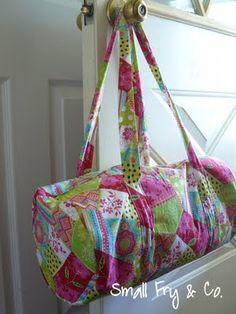 Duffel bags for kids - perfect. Free tutorial.