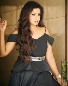 Shreya Ghoshal pop music singer Insta naughty actress cute and hot tollywood plus size item girl Indian model unseen latest very beautiful a. Shreya Ghoshal Hot, Western Wear For Women, Beauty Full Girl, Beautiful Girl Image, Budget Fashion, Indian Models, Outfit Combinations, Trendy Tops, Beautiful Actresses