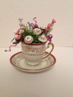 Primitave-Vintage Button Flower Bokay In Old Demitass China Cup*Ornie*VaLenTinE* Cup Crafts, Crafts To Make, Crafts For Kids, Arts And Crafts, Button Art, Button Crafts, Button Letters, Button Bouquet, Button Flowers