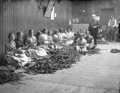 19th century workers at Lamkin´s tobacco factory, 9 Patrick's Street, Cork.