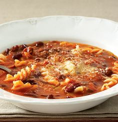 40 Meat free meals for Monday: Organic red bean, tomato and pasta soup Chicken Pasta Bake, Pasta Soup, Chinese Chicken Noodle Soup, Whole Wheat Spaghetti, Red Beans, Roasted Turkey, Savoury Dishes, Healthy Recipes, Yummy Recipes