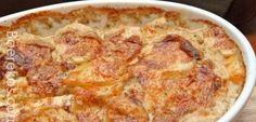 1 pak rou fatti & moni's macaroni 1 kg hoender porsies ontvries 1 pakkie minestrone sop 1 groot ui 3 middelslag aartappels 1 of 2 knoffel huisies Metode Bespuit of smeer oondvaste pyre… Casserole Recipes, Pasta Recipes, Chicken Recipes, Cooking Recipes, Recipe Pasta, Farmers Casserole, Quiche Recipes, Salsa Recipe, Yummy Recipes