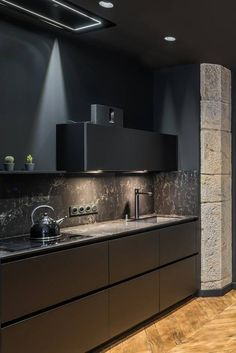 62 Black Kitchen Ideas To Make Your Kitchen Beautiful 12 - Idées De Cuisine Modern Kitchen Design, Interior Design Kitchen, Modern Interior Design, Black Kitchens, Luxury Kitchens, Kitchen Black, Home Decor Mirrors, Dining Decor, Home Decor Kitchen