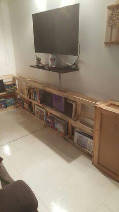 Biblioteca con palets. Optimizando espacios.