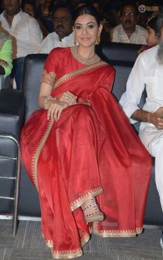 Super Ideas for nails simple red colour Red Saree, Saree Look, Indian Dresses, Indian Outfits, Sari Dress, Simple Sarees, Stylish Sarees, Elegant Saree, Malu