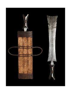 Couteau Glaive et son etui - Bamileke - Cameroun - Objet n°2561 - Galerie Bruno…