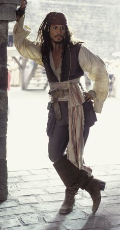 Jack Sparrow Pirates Posing Tips.  When doing full length pictures, use different angles to create contrast.