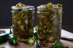 Pickled Jalapenos Jalapeno Chili, Jalapeno Jelly, Greek Lemon Chicken Soup, Real Cooking, Pickling Jalapenos, Pickle Jars, Spice Rub, Canning Recipes, Healthy Foods To Eat