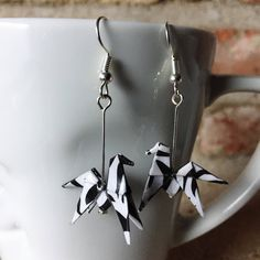 Le chouchou de ma boutique https://www.etsy.com/fr/listing/512963879/boucles-doreilles-origami-zebres-cheval
