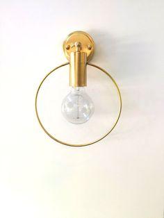 Lampe murale minimale par LightCookie #DifferenceMakeUs #Lighting #Lampe #Applique #Laiton #Gold #Minimal #Elegant @etsy
