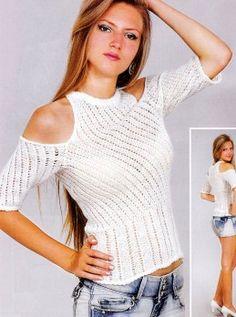 Pullover in Diagonal Stripes
