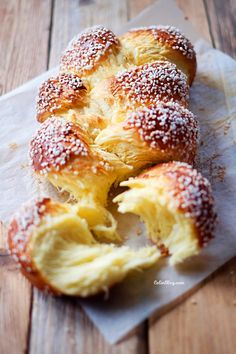 Brioche filante – Celinblog Croissants, Fun Cooking, Cooking Recipes, French Brioche, Cake & Co, Bread And Pastries, French Food, Bread Recipes, Food Photography