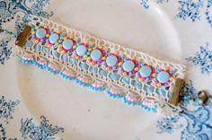 Robin Eier... handgemachte Vintage Spitzen Armband von DustyDaisy