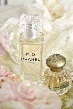 Chanel https://www.pinterest.com/pin/197454764889146348/