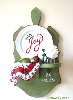Turn a Goodwill find into a wall art.Holiday home Christmas vignettes - #Goodwill board transformation.