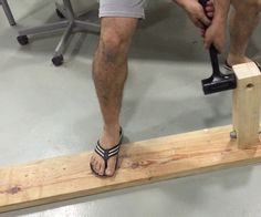 Leg for a wooden table (incredible strength)