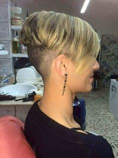 Short Wedge Hairstyles, Braids For Short Hair, Trendy Hairstyles, Haircuts For Medium Hair, Girls Short Haircuts, Pixie Haircuts, Pixie Hairstyles, Short Hair With Layers, Short Hair Cuts
