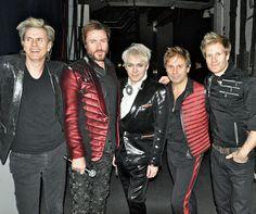 2011 tour photo. Huh. I never knew RT had a matching SLB jacket.
