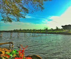 Jembatan sungai sepeda air  perpaduan apiikkk  #wisatabantul #jelajahbantul #jogjainfo #explorebantul #explorejogja #jpmpjogja #sunset #mencariketenangan #guyusitik #bantulprojotamansari #sesekmangir by Jelajah Bantul
