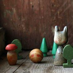 258 отметок «Нравится», 5 комментариев — Ася 🌿 Делаю куклят из дерева. (@asya_kotyasya) в Instagram: «зайчишку повстречал  #сказка #fairytale #игрушкидеревянные #woodentoys»