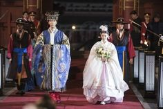 I ship them. Korean Traditional Dress, Traditional Dresses, Jang Nara, She Drama, Lee Hyuk, Korean Hanbok, Drama Korea, Korean Drama, Mystery Thriller