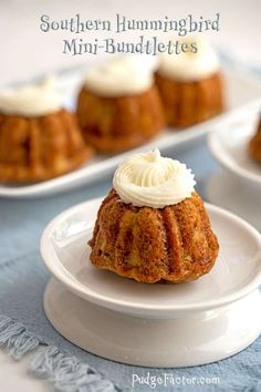 Southern Hummingbird Mini-Bundtlettes - Pudge Factor - Southern Hummingbird Mini-Bundtlettes are bite-sized bundt cakes made with a slightly modified classic Hummingbird Cake recipe. Think carrot cake with bananas replacing the carrots. Cakes To Make, How To Make Cake, Mini Desserts, Just Desserts, Plated Desserts, Mini Dessert Recipes, Blueberry Desserts, Recipes Dinner, Delicious Desserts