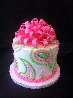 Pink bow paisley cake