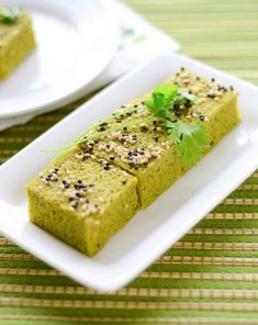 Gujarati Palak Dhokla Recipe (Steamed Spinach Lentil Cakes)