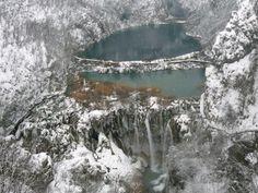 plitvice-plitvicka-lakes-in-winter-croatia