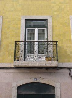 Rua das Janelas Verdes - Lisboa