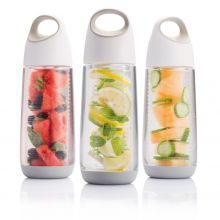 Bouteille à infusion Bopp Fruit, blanc/gris Health Drinks Recipes, Health Snacks, Fruit Infuser Bottle, Bottom Of The Bottle, Sent Bon, Infused Water Bottle, Water Bottles, Water Bottle Design, Dog Recipes
