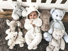 Baby among the stuffed toys 😊 Cute Little Baby, Lil Baby, Baby Kind, Little Babies, Baby Love, Cute Babies, Twin Baby Boys, Baby Girl Newborn, Wanting A Baby