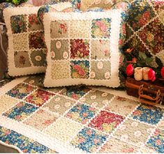 Quilted romantic pillows  http://lovely-decor.com