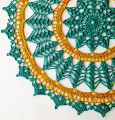 Linen Placemat / Doily / turquoise / Home by ArtisticNeedleWork