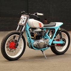 #Kawasaki #w650 #flattracker #hombrese