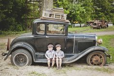 a vintage family photo shoot - Minneapolis photographer Anna Grinets Photography