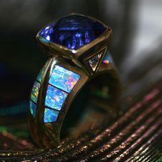 10ct tanzanite & opal  ring. I die.