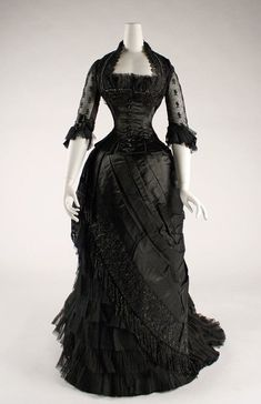 Silk evening dress, circa 1881  Lovely ♥